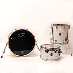 DW Performance 18  White Marine Pearl